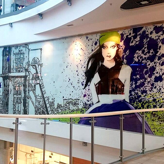 projekty graficzne ścian wcentrum handlowym